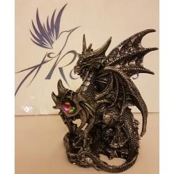 Dragon celtique tenant une pierre