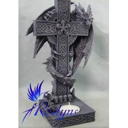 Dragon sur une croix celtique